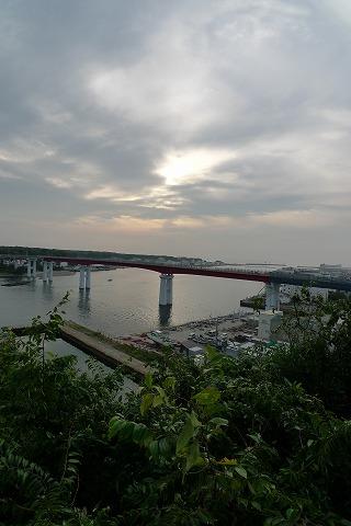 山の上からの城ケ島大橋